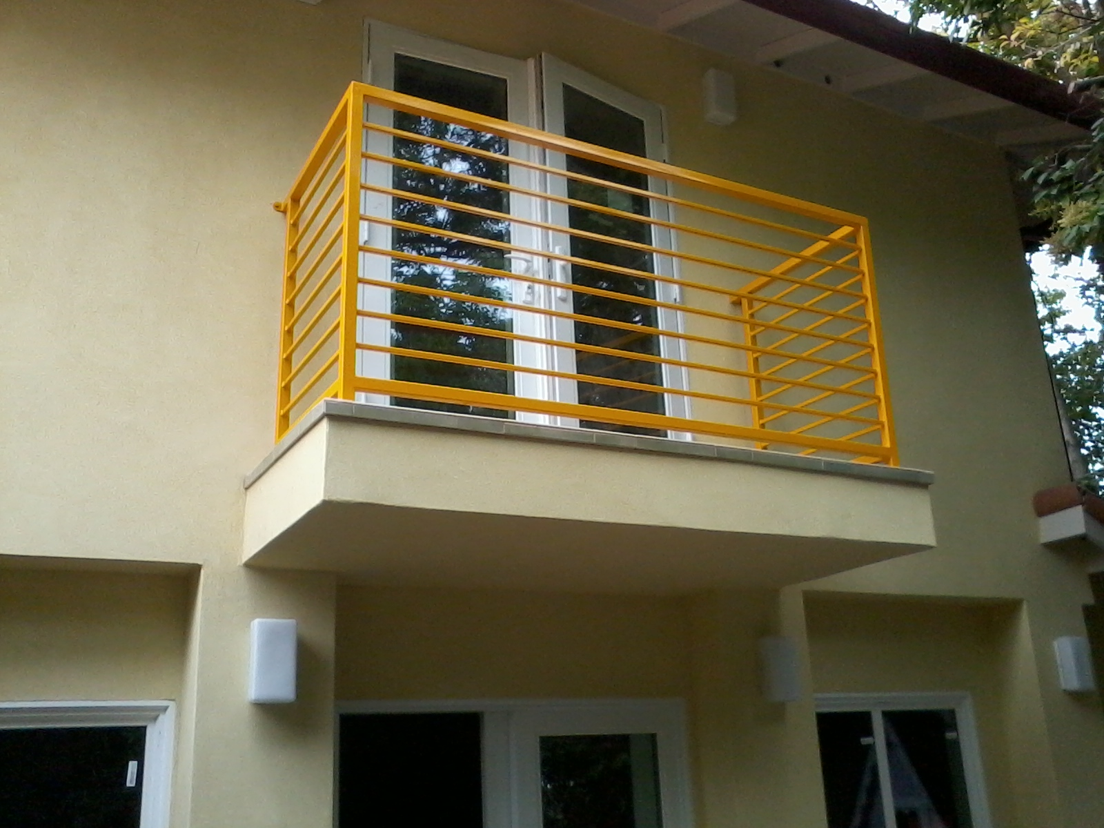 Modern balcony v m iron works inc in the san jose bay for Balcony modern