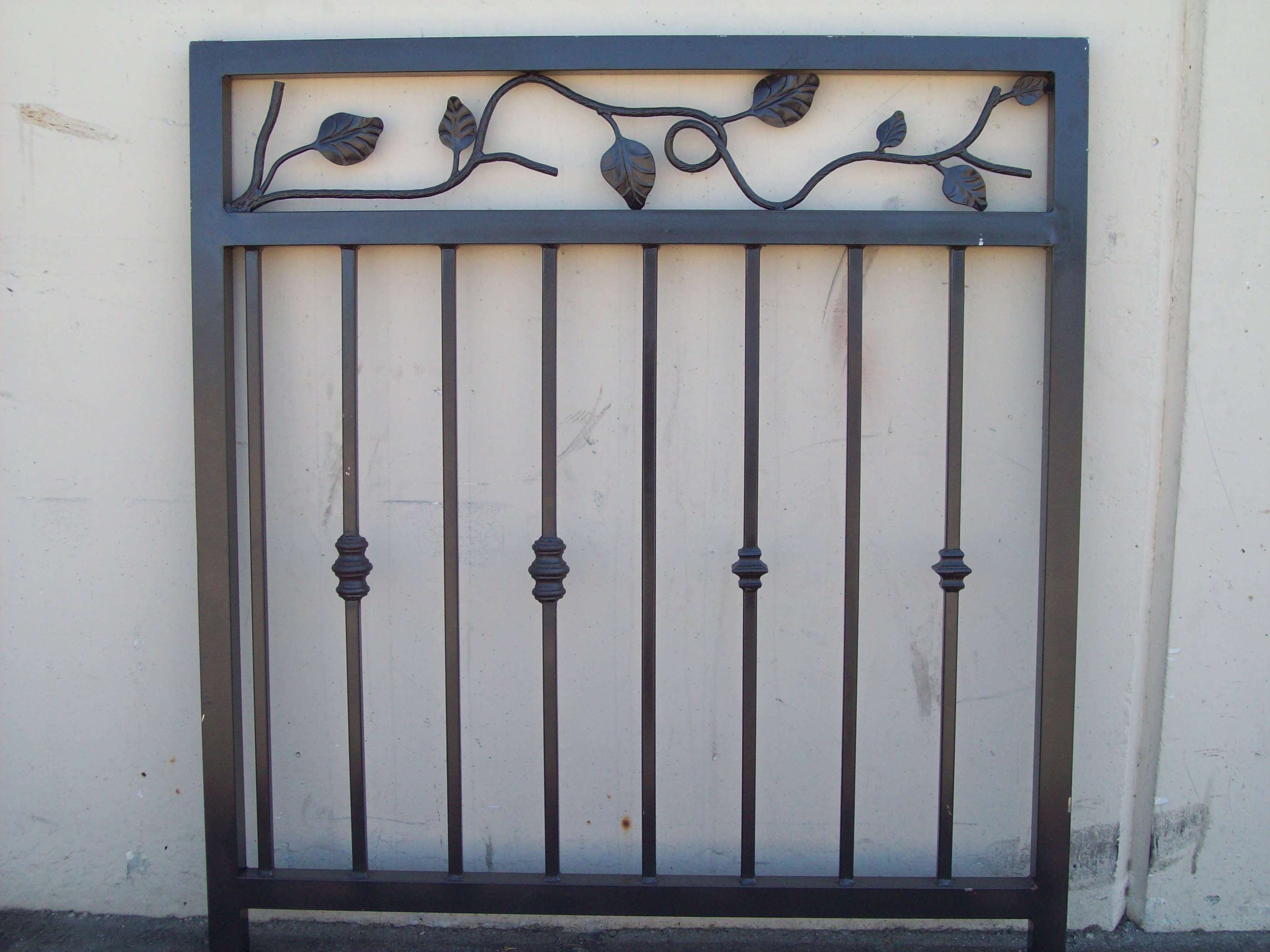 Ornamental railing panels - Leaf Panel With Different Knuckles